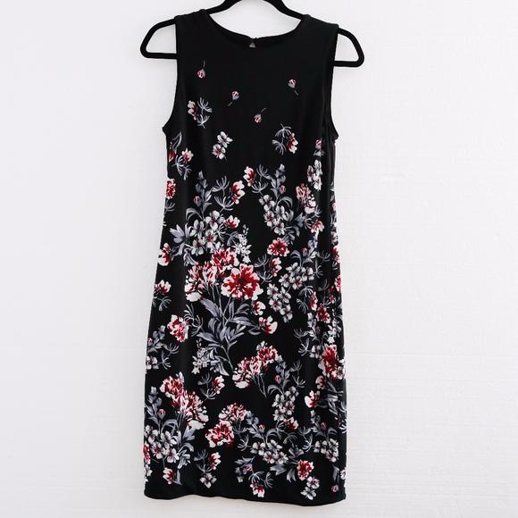 8714ebbe White House Black Market Dresses | Whbm Black Floral Reversible ...